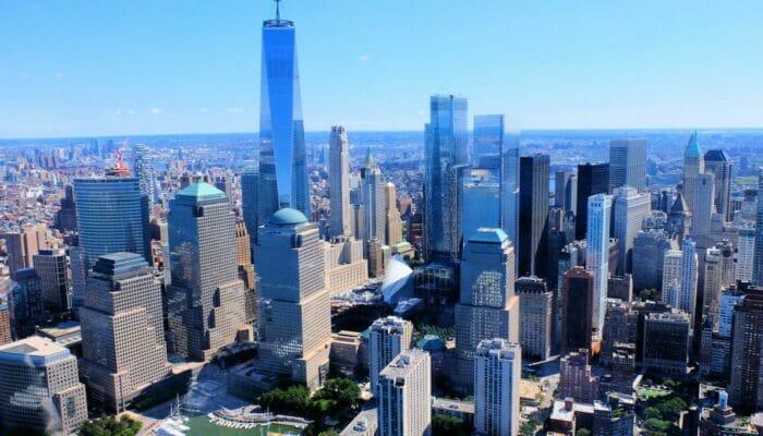 Lower Manhattan og Financial District i New York - Luftfoto