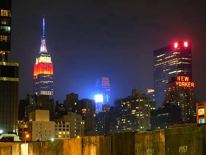 Midtown Manhattan i New York - Empire State Building om aftenen