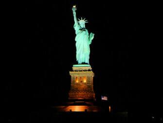 Bateaux New York Cruise med middag - Frihedsgudinden