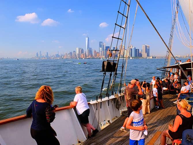 Weekendsejltur med champagnebrunch i New York - Sejltur