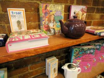 Afternoon tea hos Alice's Tea Cup - Tekande