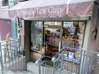 Afternoon tea hos Alice's Tea Cup - Upper West Side