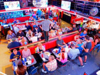 Morgenmad i New York - Ellens Stardust Diner indenfor