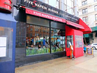Bedste burger i New York - Five Napkin Burger udefra