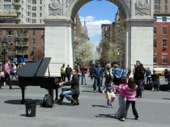 Parker i New York - Livemusik i Washington Square Park