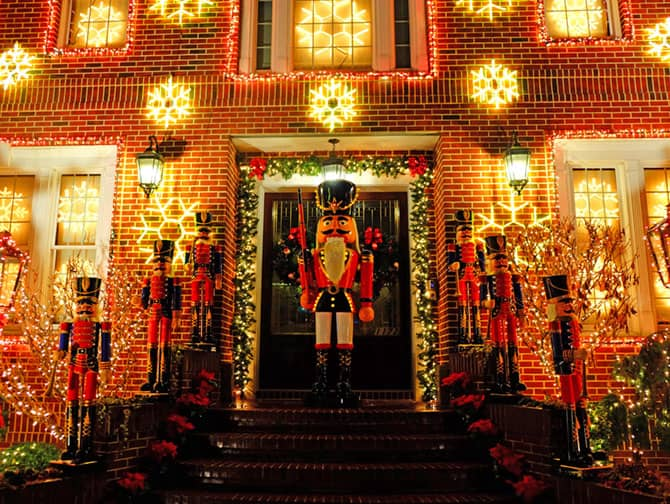 Juletid i New York - Julepynt i Dyker Heights