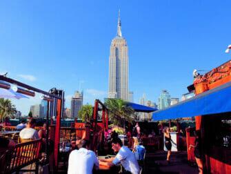 De bedste rooftop-barer i New York - 230 Fifth om dagen