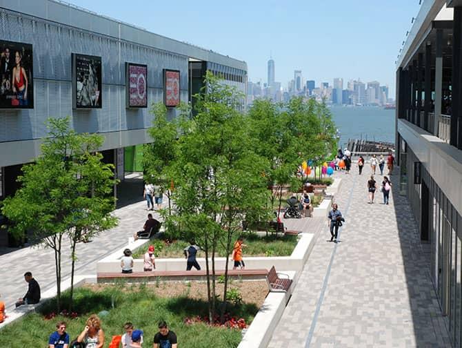 Empire Outlets New York City - Udsigt til skylinen