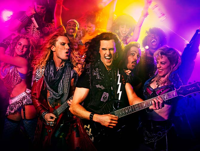 Rock of Ages the Musical i New York billetter - Rockband