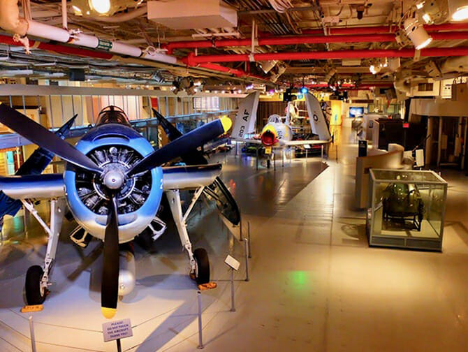 Intrepid Sea, Air and Space Museum i New York - Museet indefra