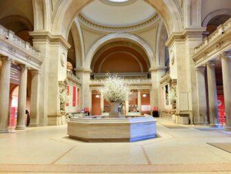 Metropolitan Museum of Art i New York - Empty Met Tour
