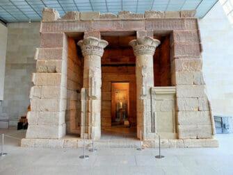 Metropolitan Museum of Art i New York - Temple of Dendur forfra