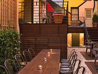 Pod Hotel 51 i New York - Cafe