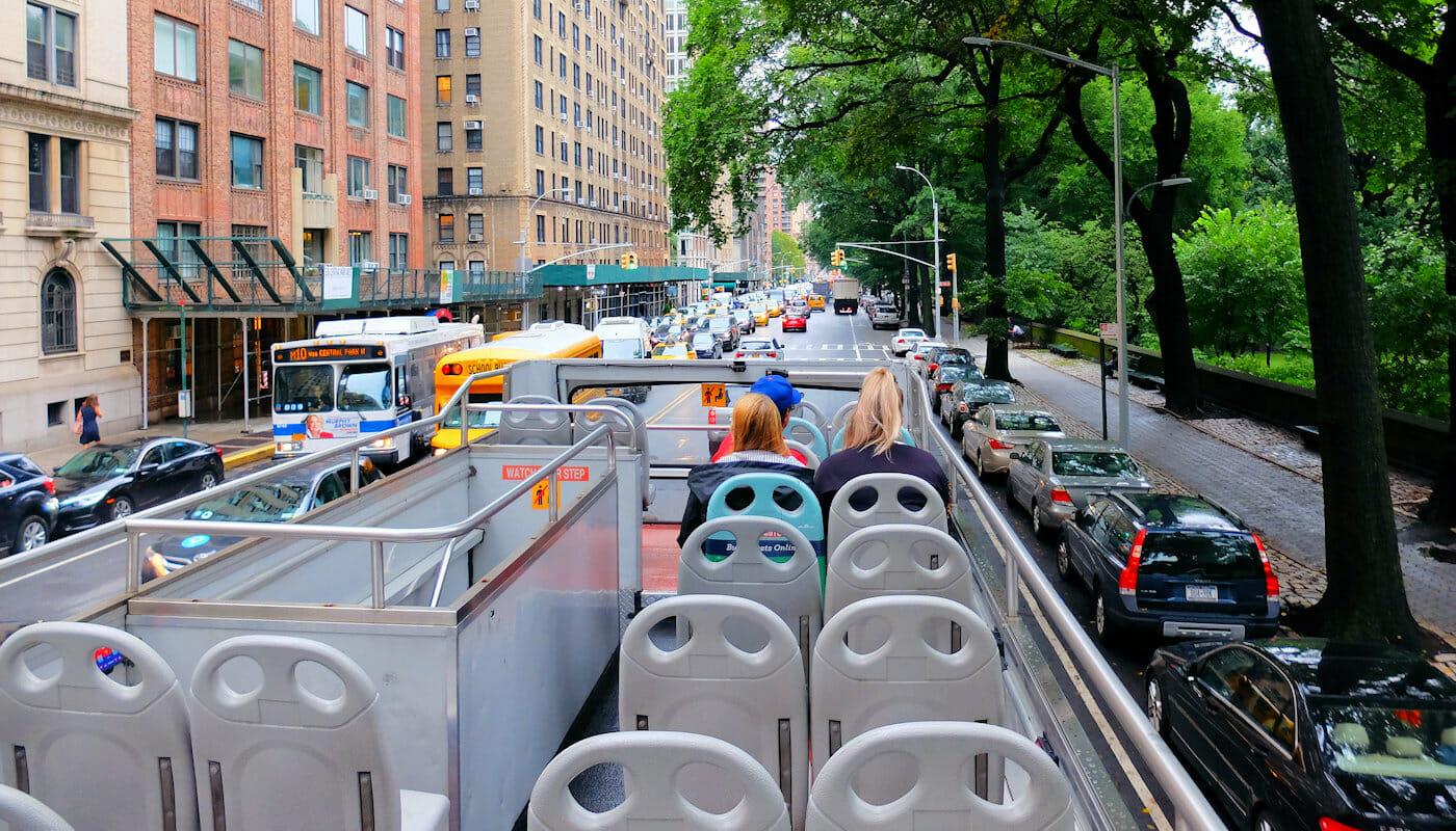 Gray Line hop-on-hop-off-bus i New York - Guide