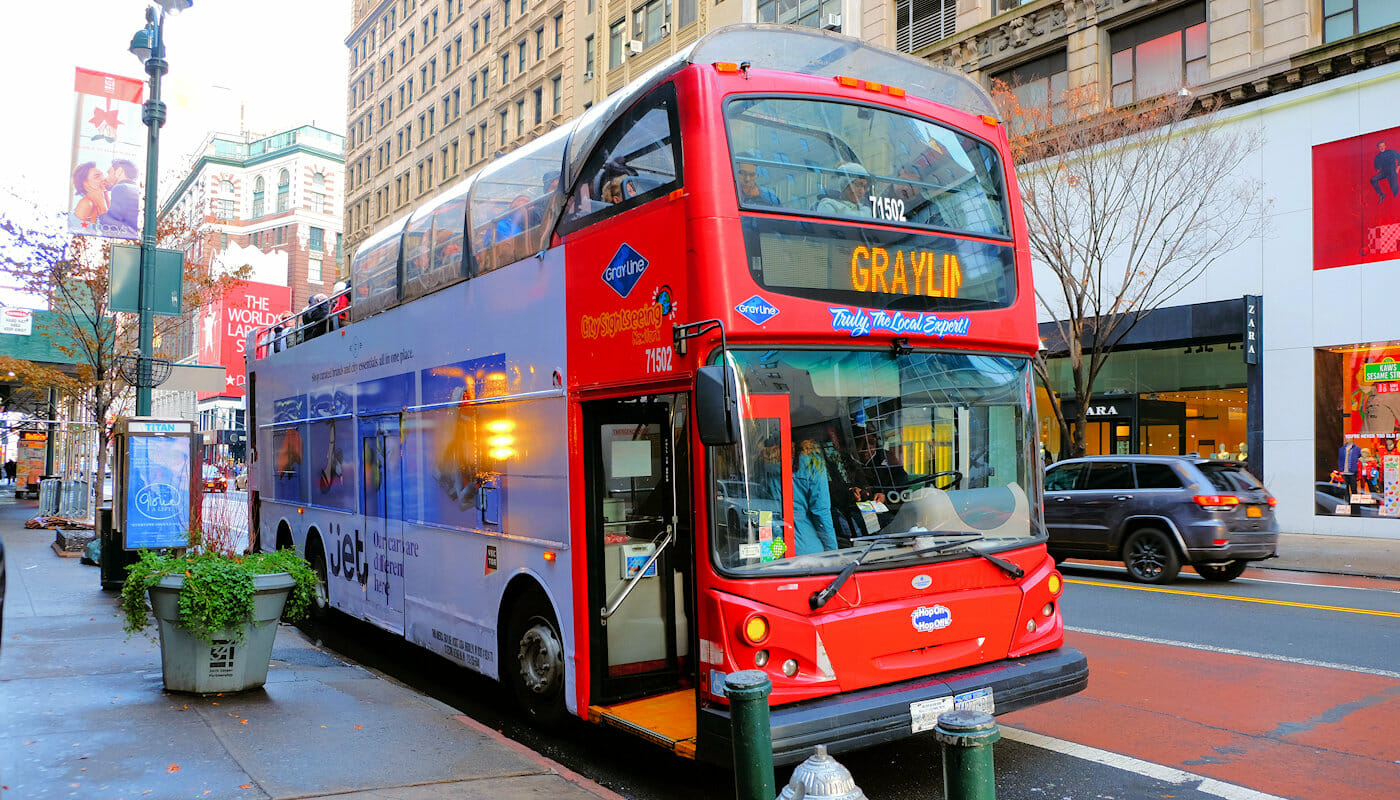 Gray Line hop-on-hop-off-bus i New York - Stoppested