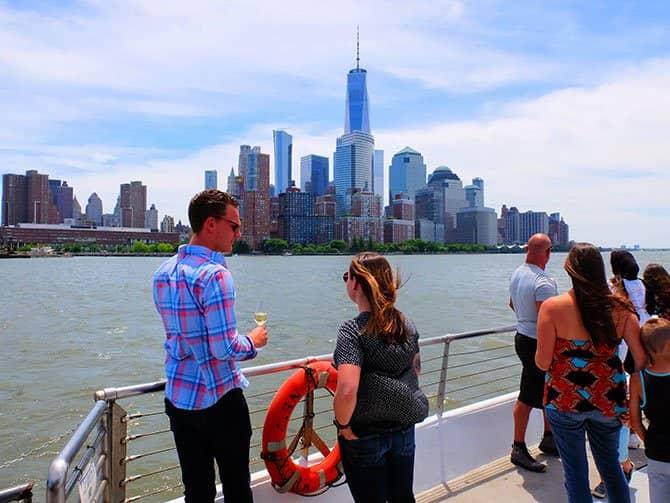 Bateaux Cruise med frokost i New York - Udsigten