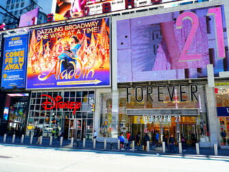 Theater District i New York - Forever 21