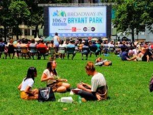 Broadway i Bryant Park