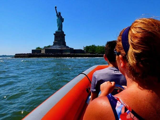 RIB-båd i New York
