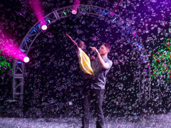 Gazillion Bubble Show Broadway billetter - Familieshow
