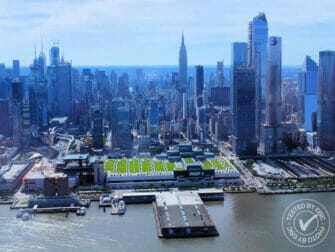 Helikoptertur i New York - Flyver over Hudson River