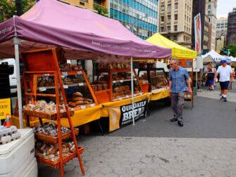 Miljøvenlig rejse til New York - Brød på Union Square Greenmarket