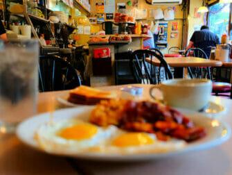 Morgenmad i New York - La Bonbonniere morgenmad