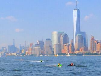 Jetski i New York One World Trade Center