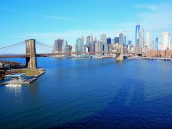 Manhattan Bridge i New York - Udsigt fra broen